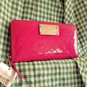 NWT Kate Spade Yaeltown Retro Fuschia Pink Wallet